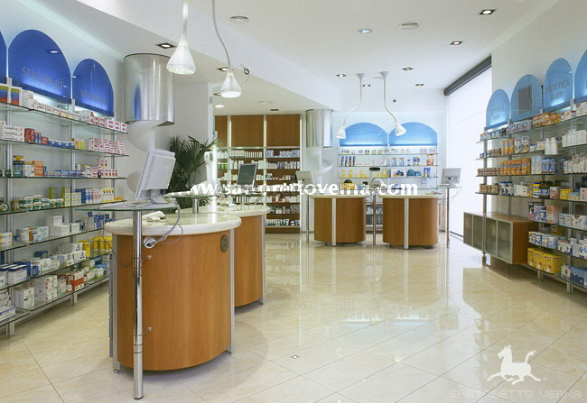 Robotic-operated dispensary in the Licuilli Pharmacy by Sartoretto ...