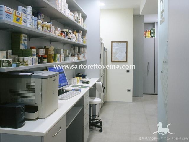 Mobili per farmacia