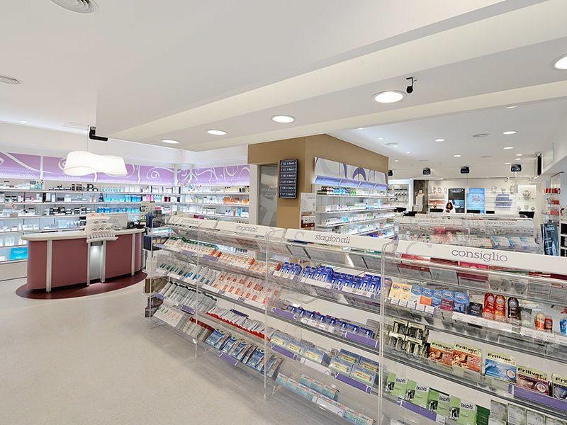 Farmacia-Hallgass-ROMA-min.jpg
