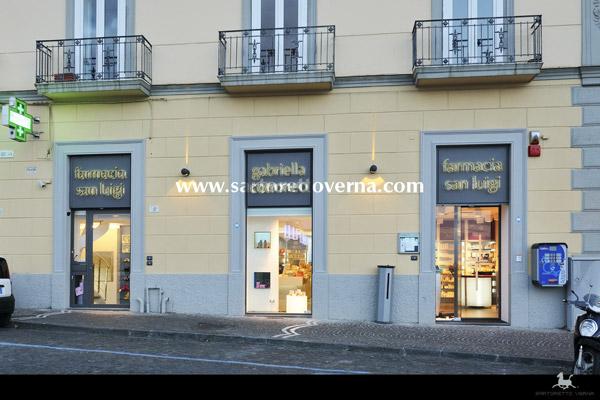 pharmacy_Naples-004